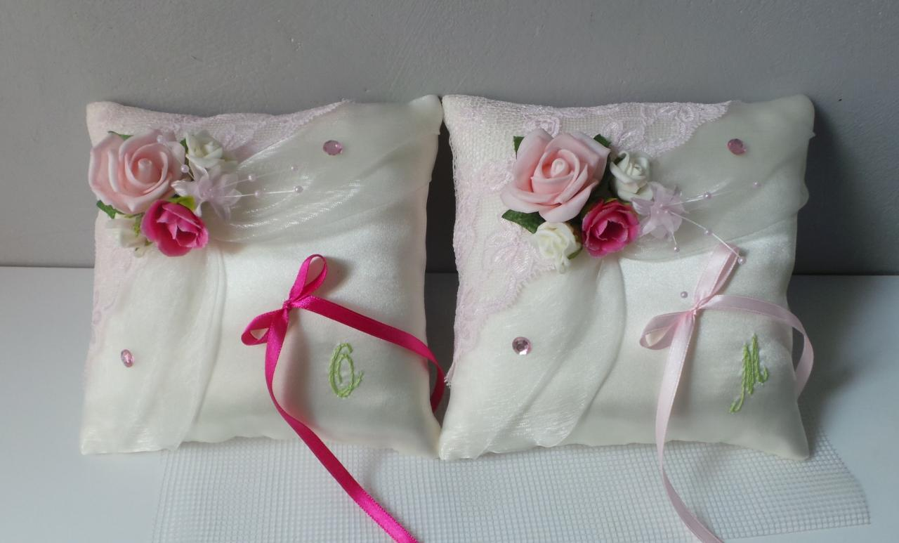 Duo coussin mariage romantique voile et dentelle rose