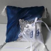 coussin alliance (827) oriental bleu marine/roi argent