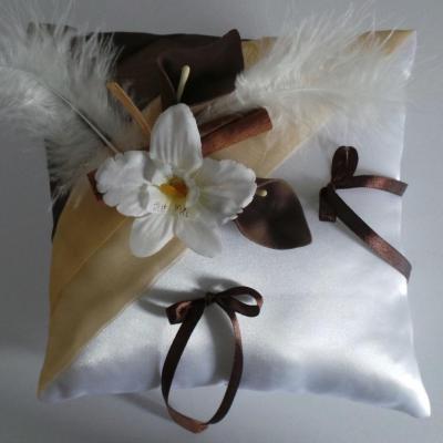 coussin alliance chocolat beige