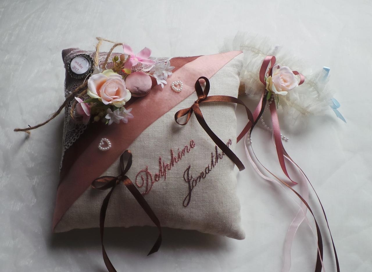 Coussin d'alliance goumandise rétro chocolat rose ancien dentelle