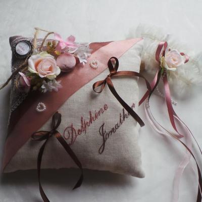 coussin alliances goumandise rétro chocolat rose ancien dentelle