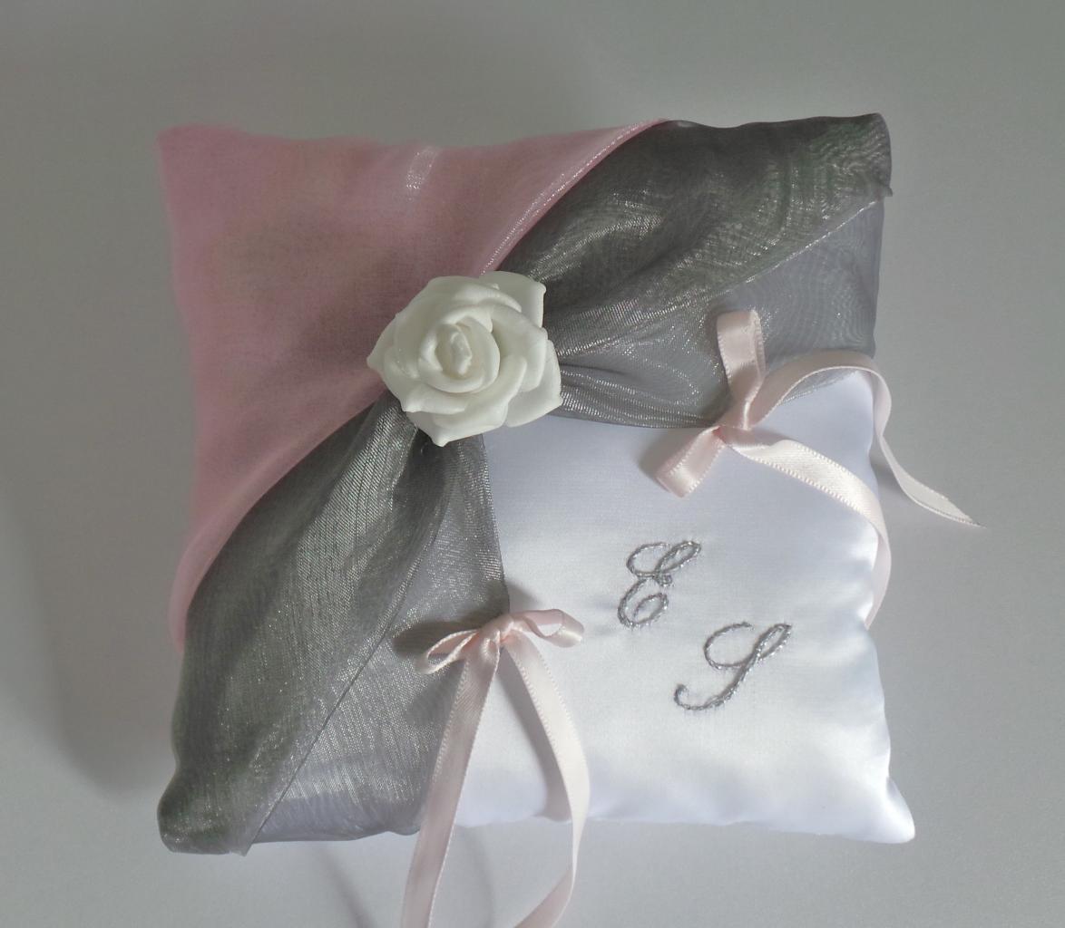 coussin alliances gris rose (11)