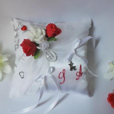 Coussin porte alliances mariage/baptême blanc rouge argent (5)