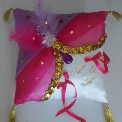Coussin alliance oriental rose fuchsia parme or