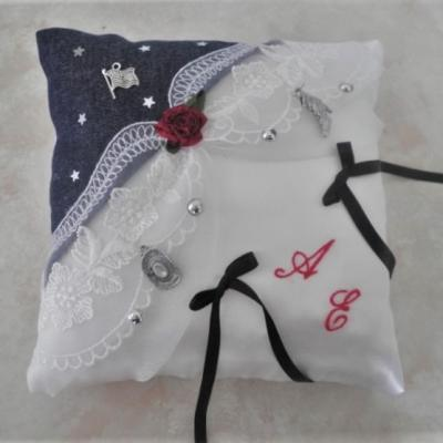 coussin mariage country jean et dentelle