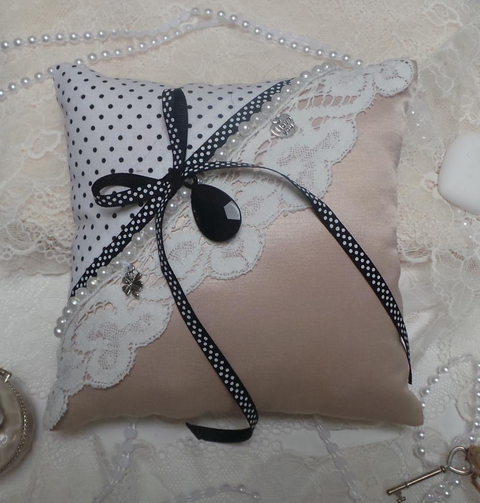 coussin mariage rose noir boudoir romantique vintage (1)