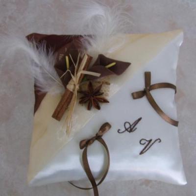 coussin alliance chocolat beige épices