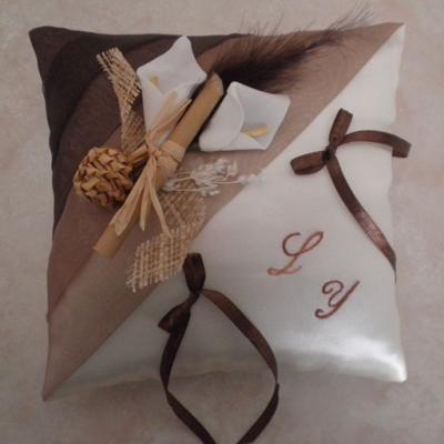 Coussin alliance chocolat beige, coussin alliances marron ivoire
