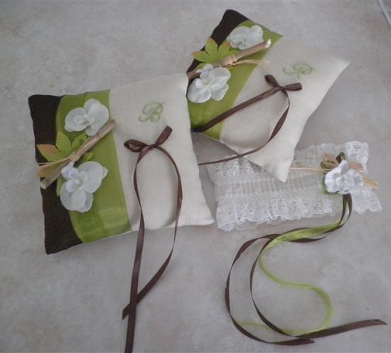 Duo coussins alliances lin écru organza anis et chocolat jarretière