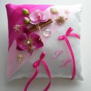 coussin mariage exotique, fuchsia, rose, cannelle et orchidées