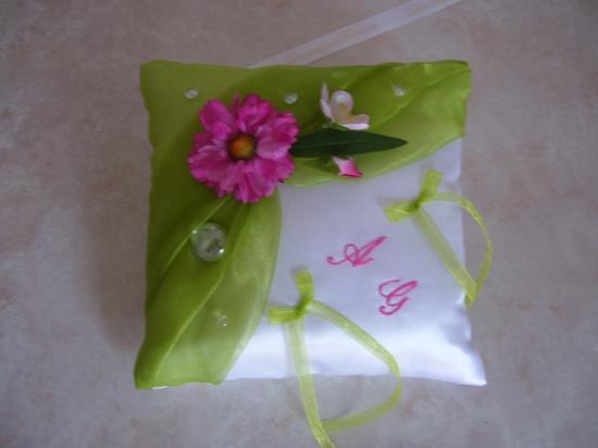 coussin pour alliance anis, décoration fuchsia