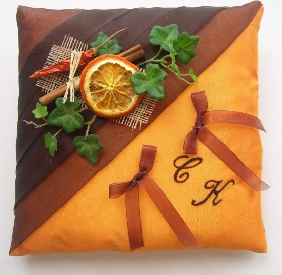 "coussin alliances ""épices"", chocolat orange, piment, cannelle"