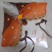 Coussin d'alliances oriental, orange marron et galon or
