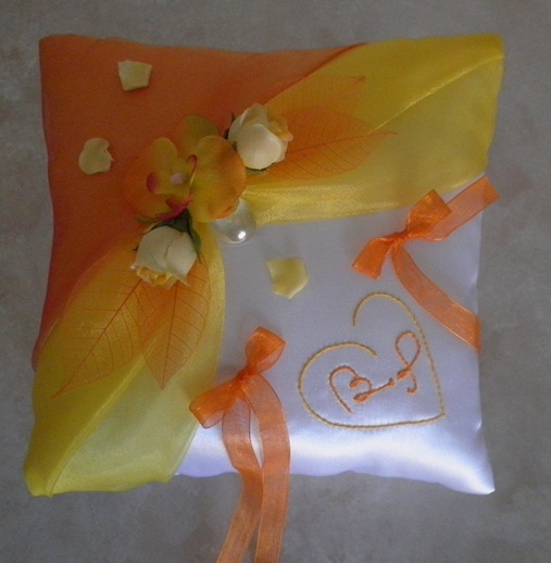 coussin alliances jaune orange