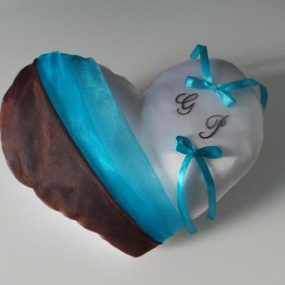 Coussin alliances coeur, organza chocolat turquoise