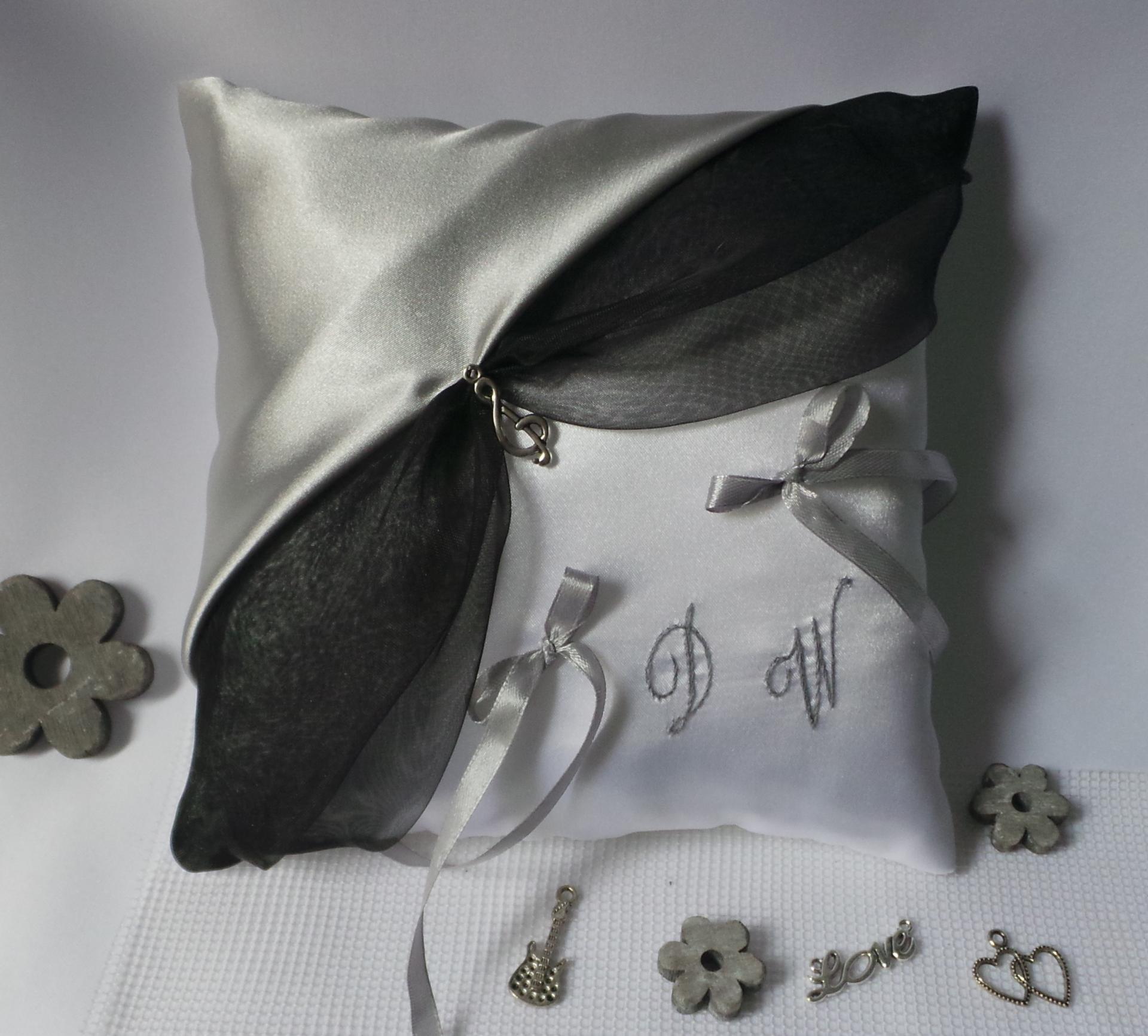 Coussin mariage thème musique noir et gris