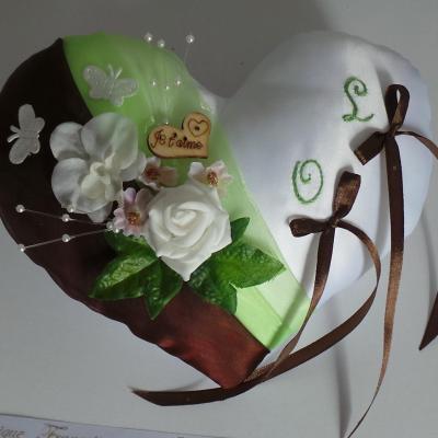 Coussin alliance coeur vert anis chocolat