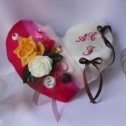 Coussin mariage gourmandise fuchsia chocolat