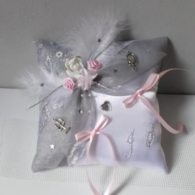 Coussin mariage gris rose pale