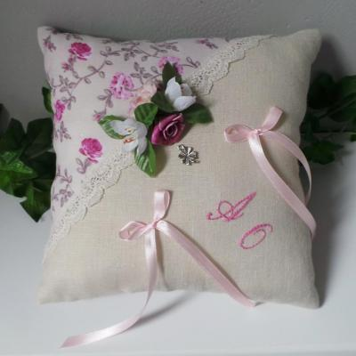 Coussin mariage rose 14