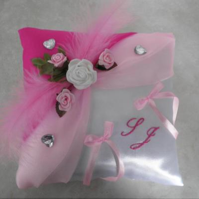 Coussin mariage rose 28