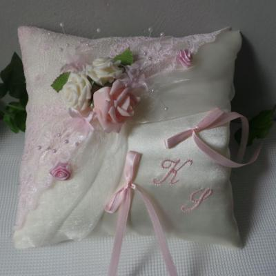 Coussin mariage rose 5