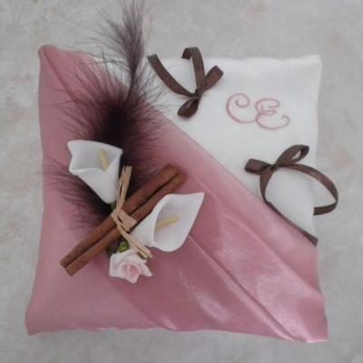 Coussin mariage vieux rose et chocolat