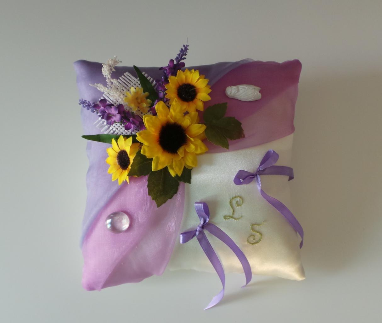 Coussin alliance mariage provençal violet parme tournesol