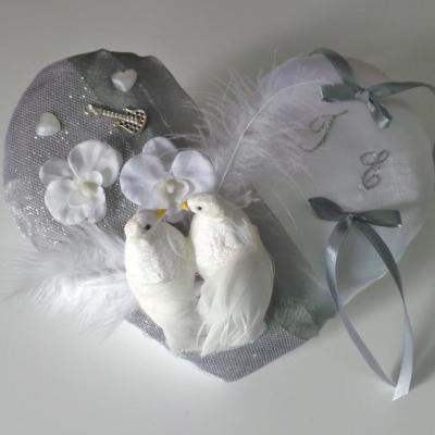 Coussin porte alliances gris argent colombes