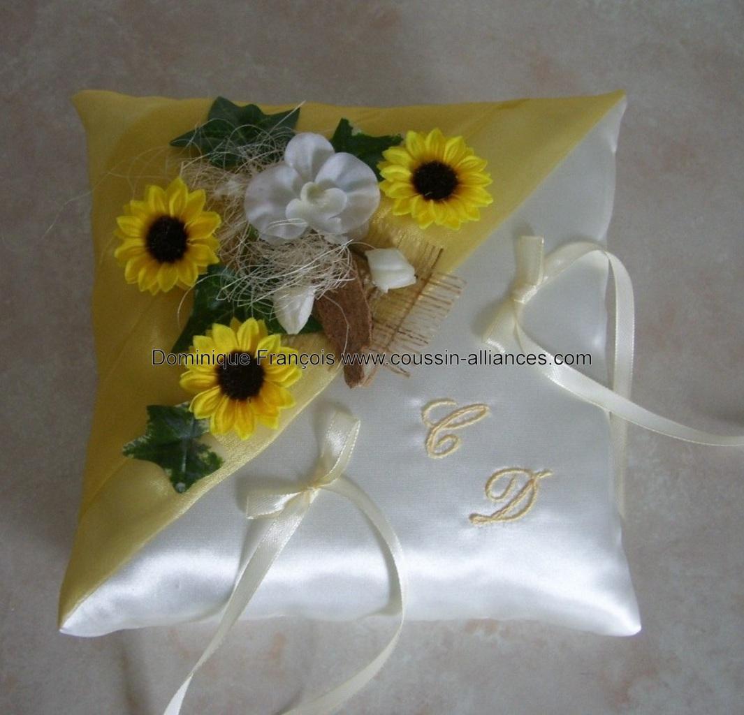 Coussin alliance champêtre provençal jaune personnalisé fait main