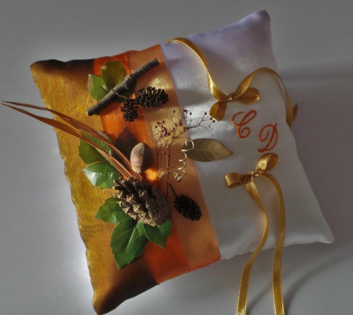 Coussin porte alliances orange marron  thème l'automne