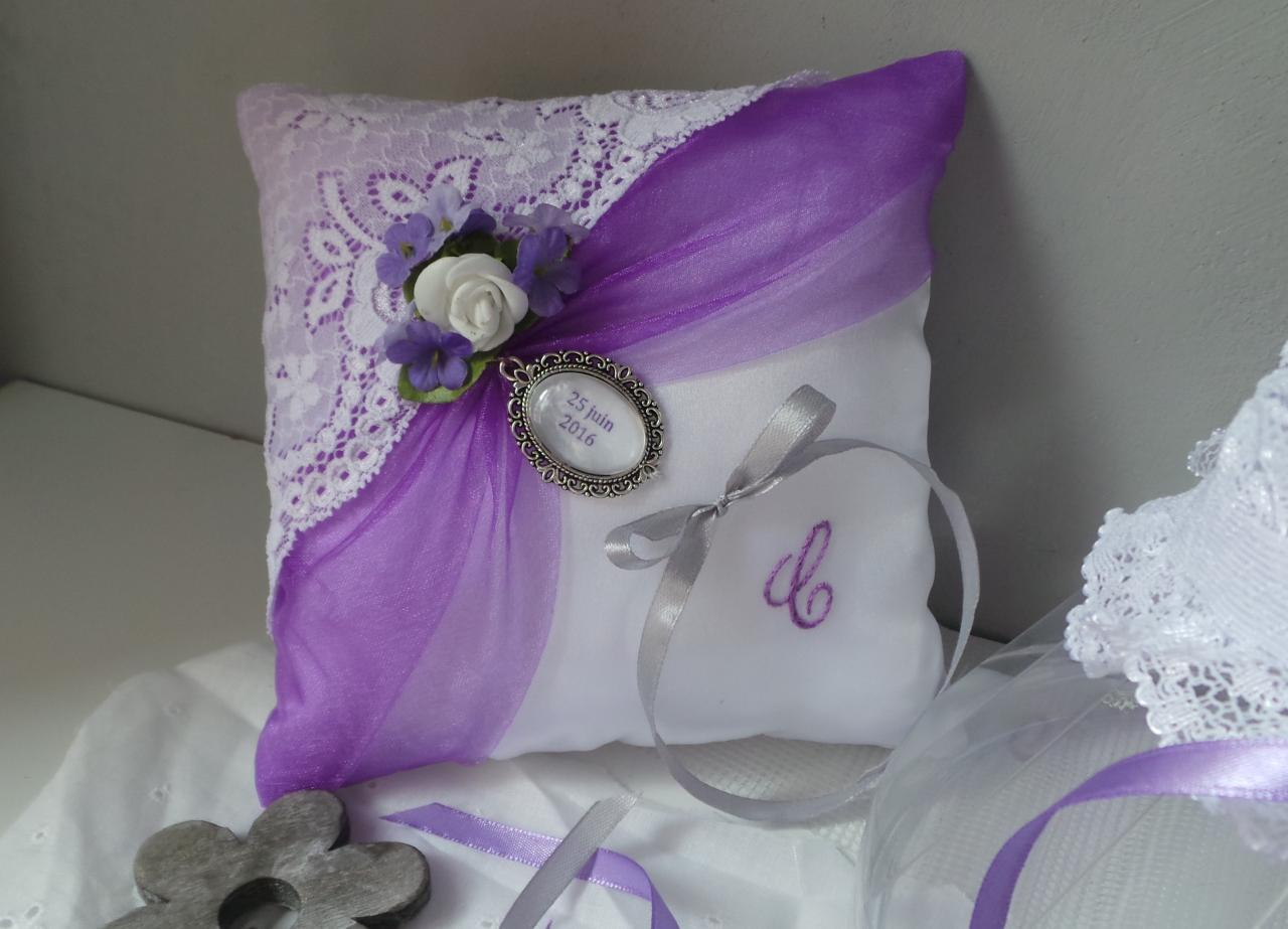 Coussin alliance violet parme blanc personnalisé