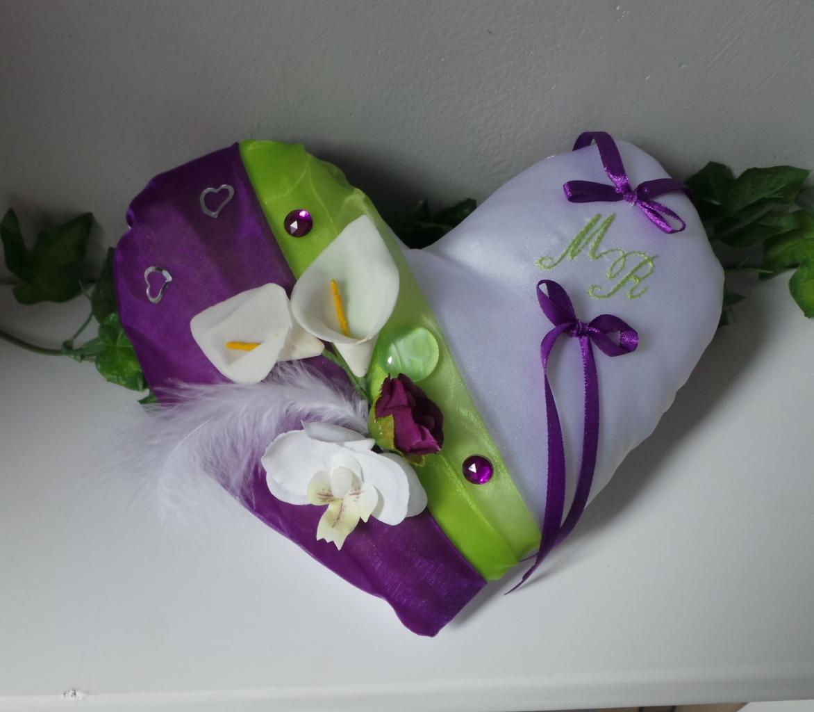 Coussin alliances coeur violet anis
