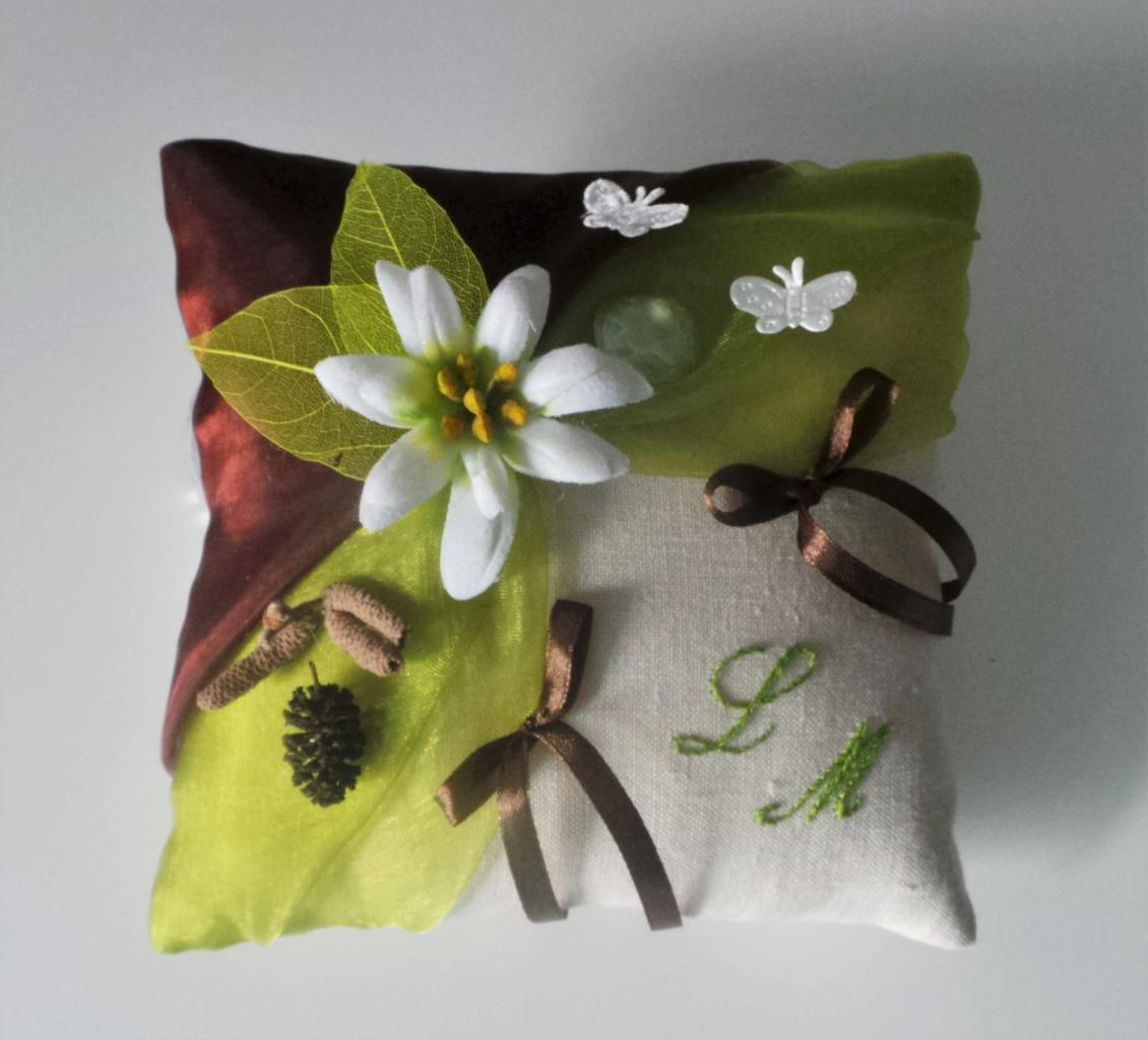 Coussin d'alliance nature vert chocolat en lin