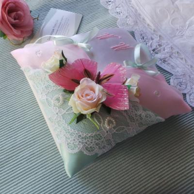 Coussin alliance boheme champetre chic vert et rose pastel