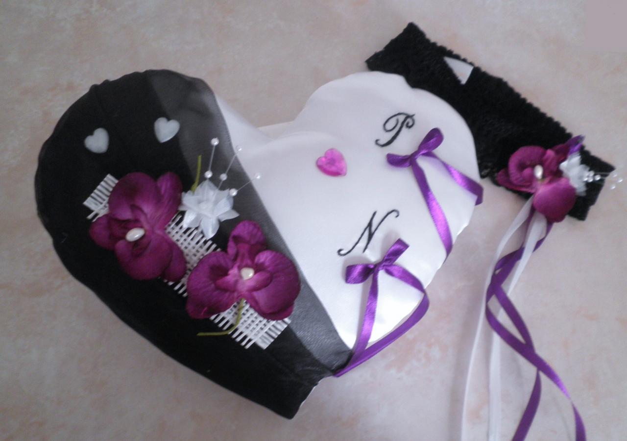 coussin alliance coeur noir et violet prune