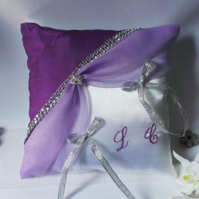 coussin-alliance-violet-prune-galon-strass