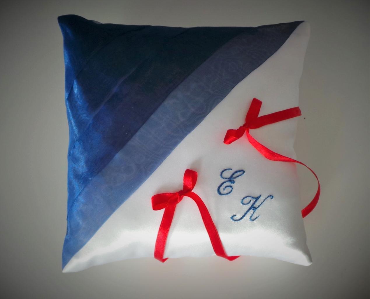 coussin alliances bleu et rouge(5)