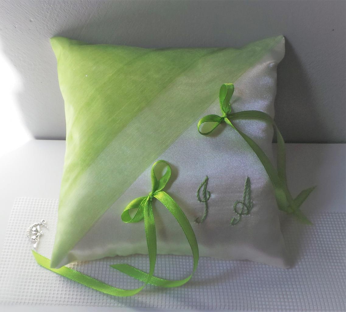 coussin alliances vert anis ivoire (87)
