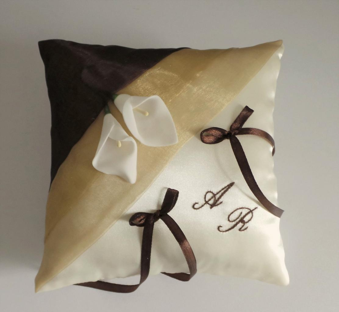 coussin alliances beige chocolat 1