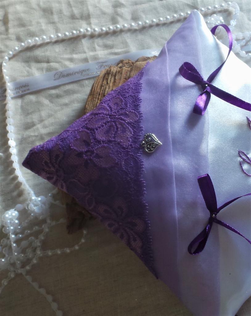 coussin alliances chic parme violet (3)