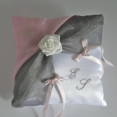 coussin alliances gris rose (11)