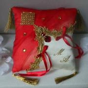 Coussin mariage oriental rouge et or