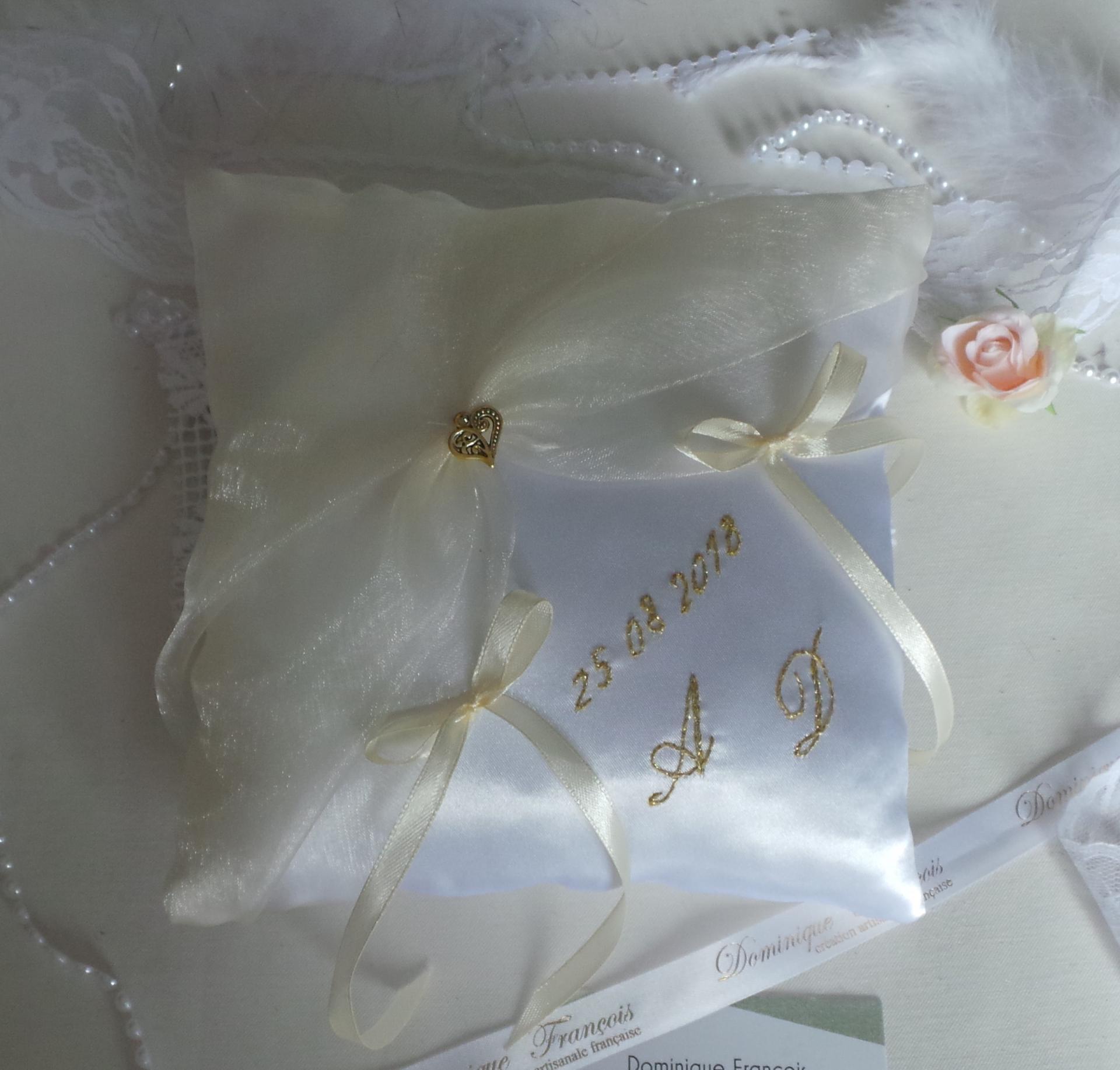 Coussin de mariage porte alliance de mariage chic blanc ivoire et or personnalisé