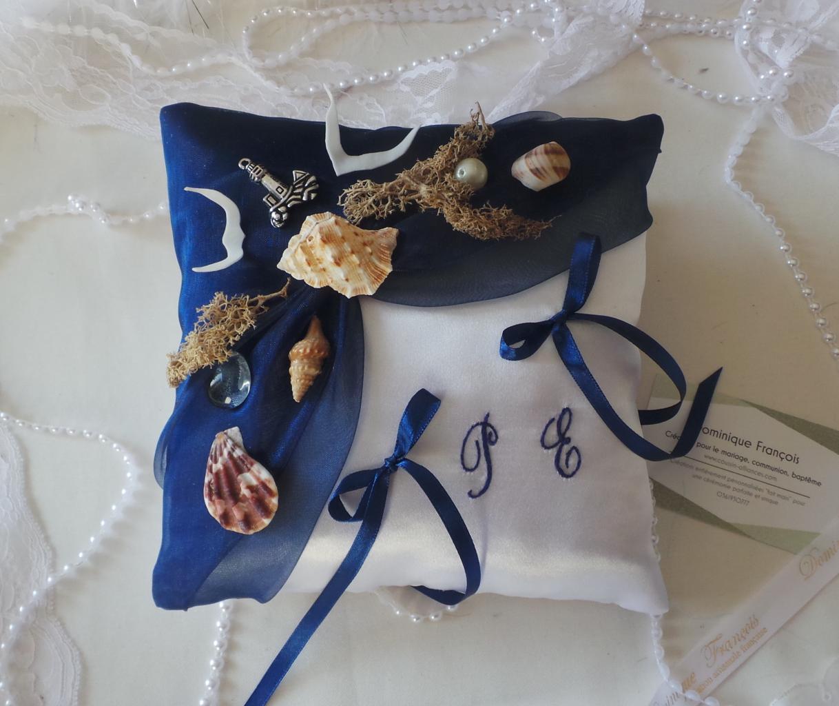 Coussin porte alliances la mer bleu marine roi  (1)