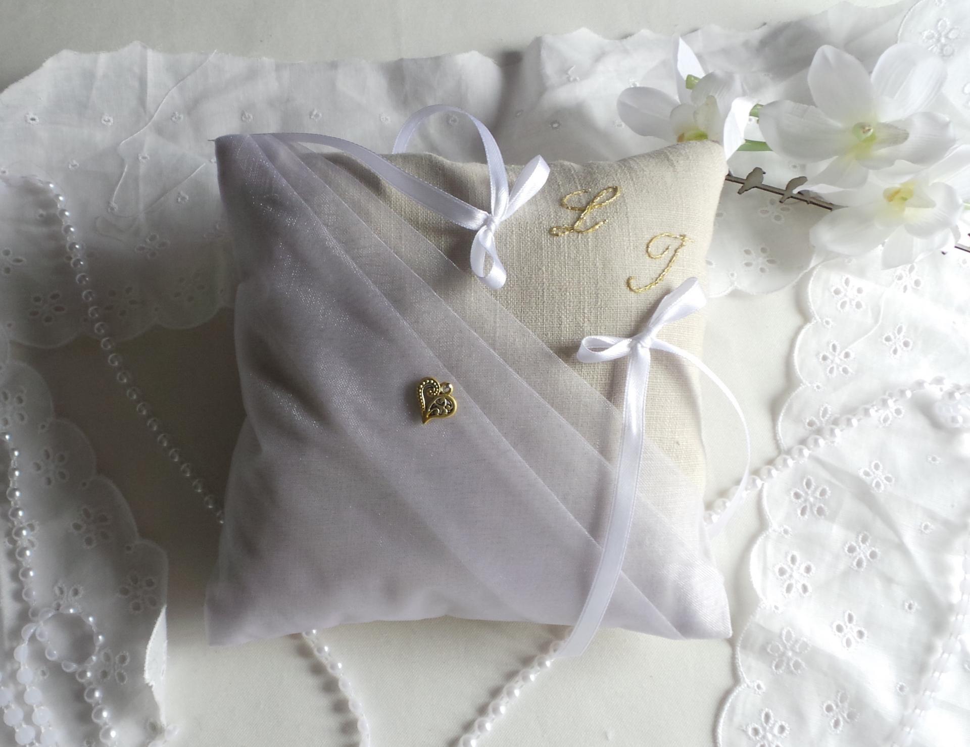 Coussin de mariage  chic lin voile organza blanc bohème naturel