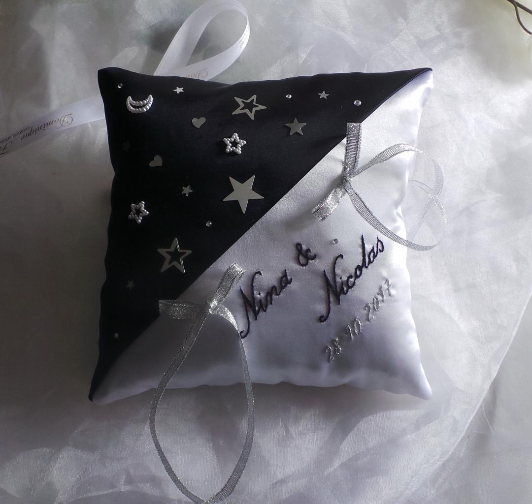 Coussin porte alliances bleu nuit marine thème les étoiles
