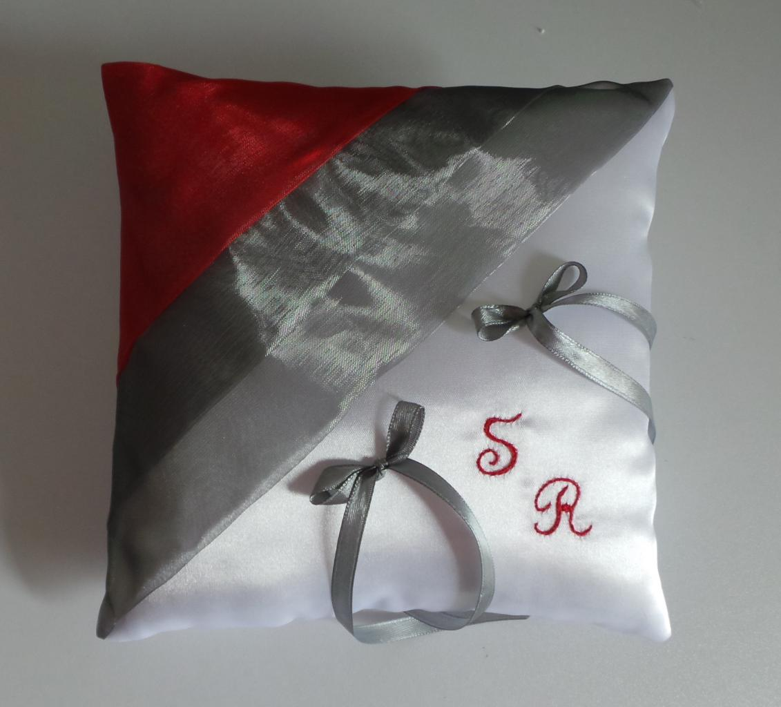 coussin alliances rouge gris