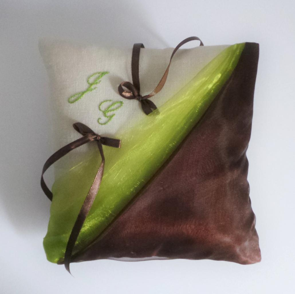 coussin alliances vert anis chocolat (23)