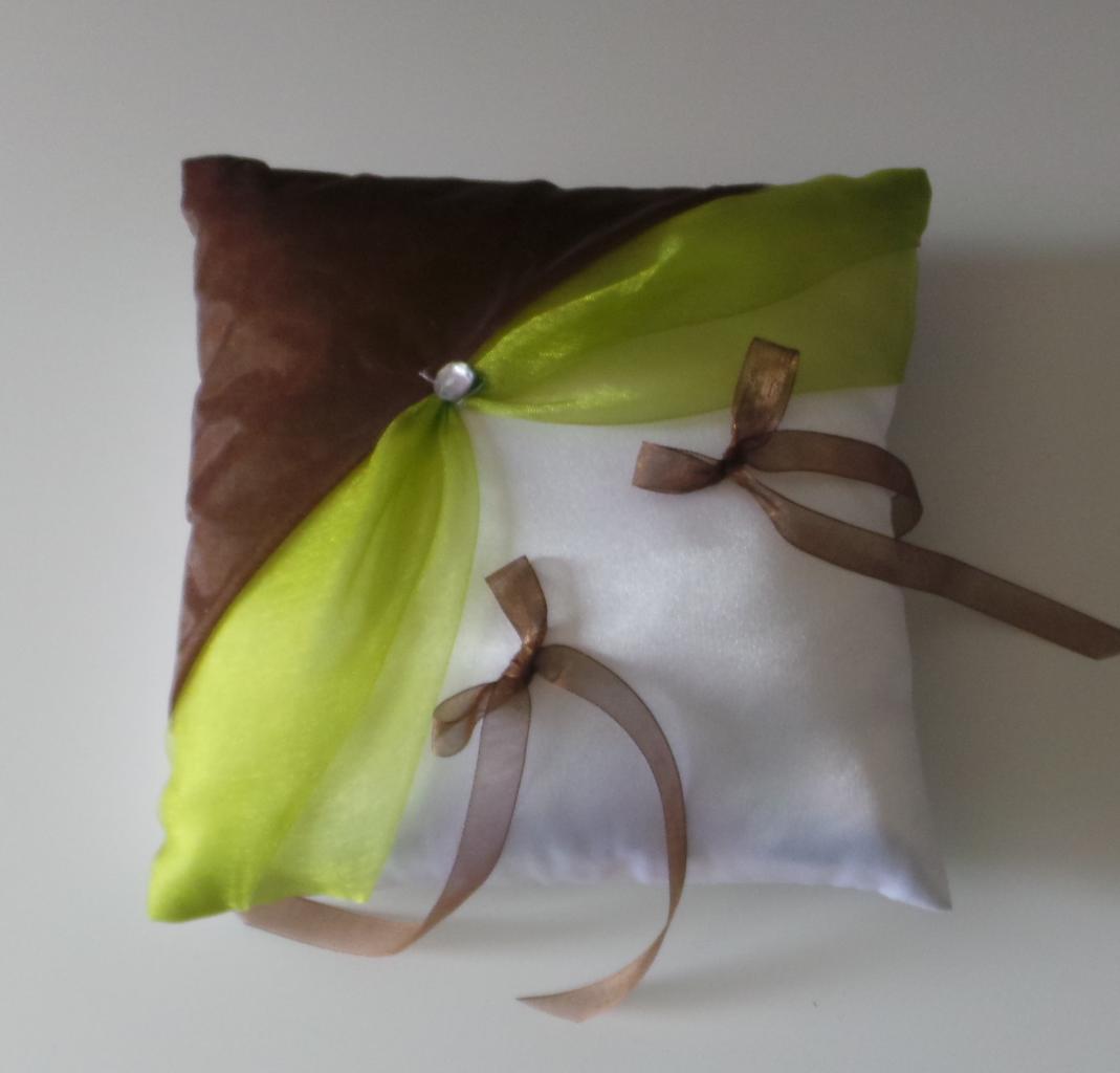 coussin alliances vert anis chocolat (30)
